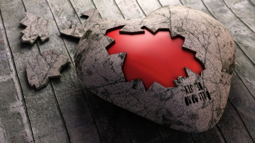 Source: http://hdwallpaper2013.com/love/broken-heart-love-pictures-hd-wallpaper.html